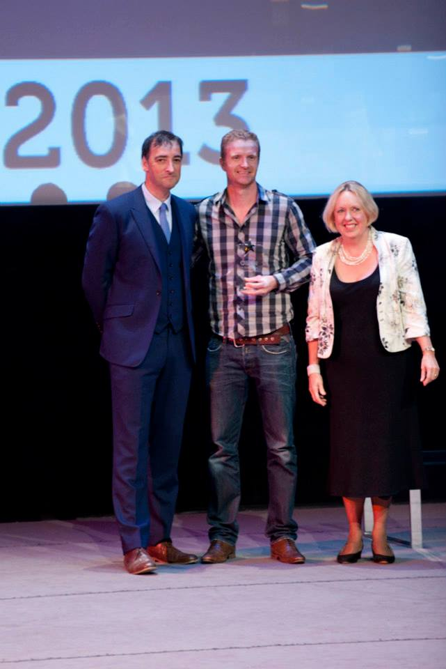 mark receiving the award with alistair mcgowan
